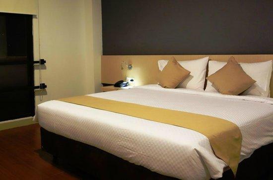 Hotel 88 Embong Kenongo: comfort bed