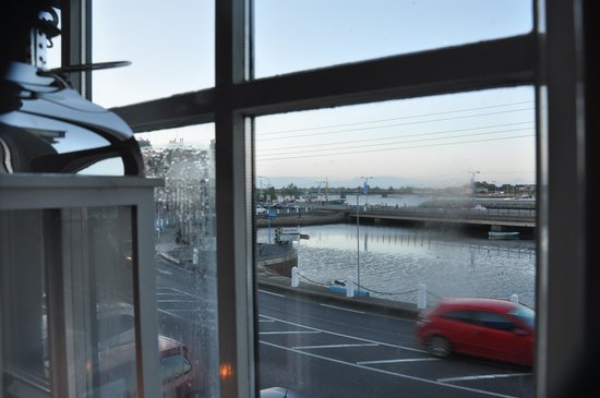 Forde's Restaurant: Our quayside view