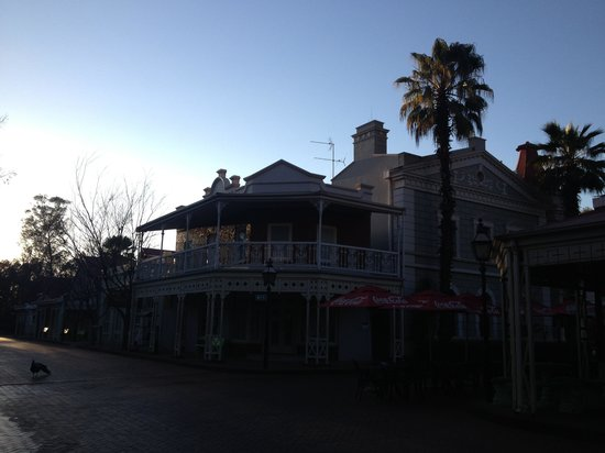 Gold Reef City Theme Park Hotel: Early morning