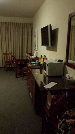 Strath Motel: The fridge, tv and dining table - room 5