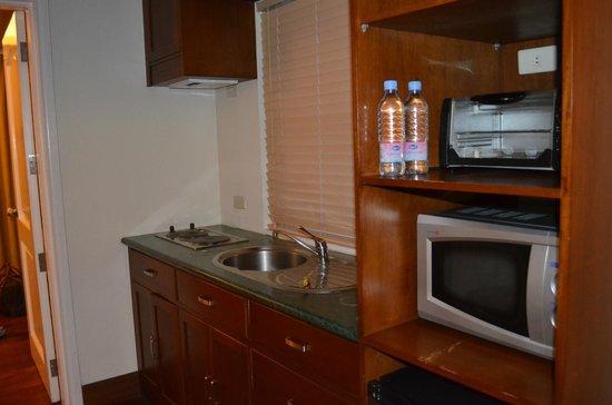 Moonbay Marina Leisure Resort: Mini Kitchen