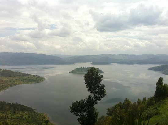Volcanoes National Park: Lake Burera and Lake Ruhondo