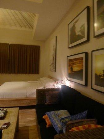 The Dipan Resort Petitenget: view of room