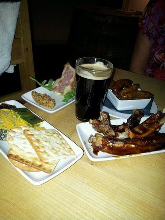 Hawkshead Brewery: Tapas selection and excellent glass of coffee porter