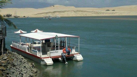 Trairi, CE: Passeio de barco no Rio Mundaú