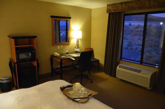 Hampton Inn & Suites Carson City: room