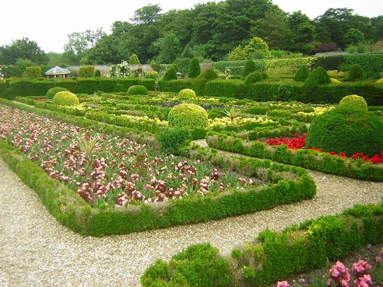 Sewerby Hall and Gardens : walled garden