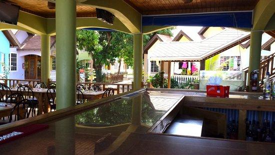 The Boardwalk Village Hotel: dining/bar area
