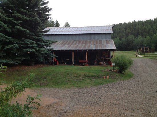 Meadow Creek: Outbuilding by reception hall