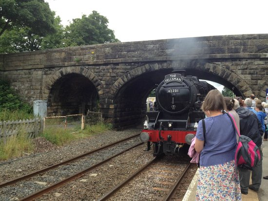 The Lion at Settle: The Settle to Carlisle Steam Train arriving at Long Preston