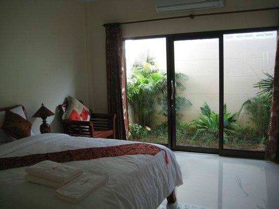 Baan Na Khon: สวนหลังห้อง