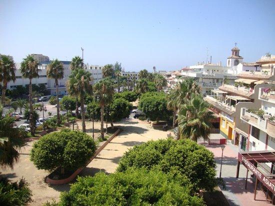 Hotel Toboso Almunecar: Vista desde la terraza orientada en la fachada principal