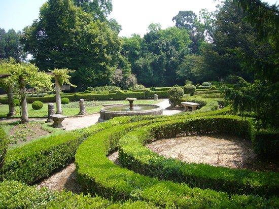 Parque de Ferrera: Jardin Frances 1