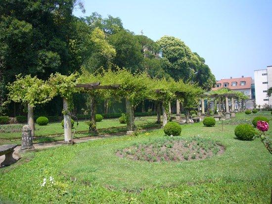 Parque de Ferrera: Jardin Frances 2