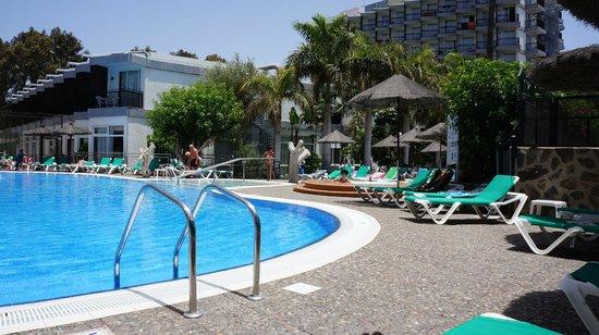 Beverly Park Hotel: Basen