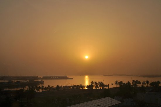 Movenpick Hotel Doha: Sunrise
