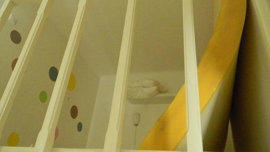 Hipster Hostel: Habitación al lado de la cocina