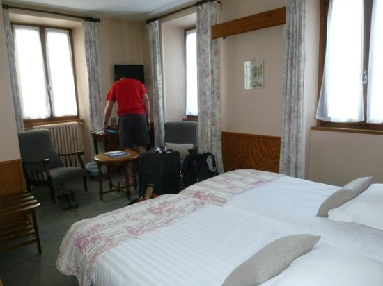 Hotel de La Couronne: Our Room