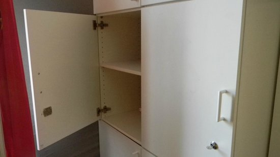 Hipster Hostel: Lockers