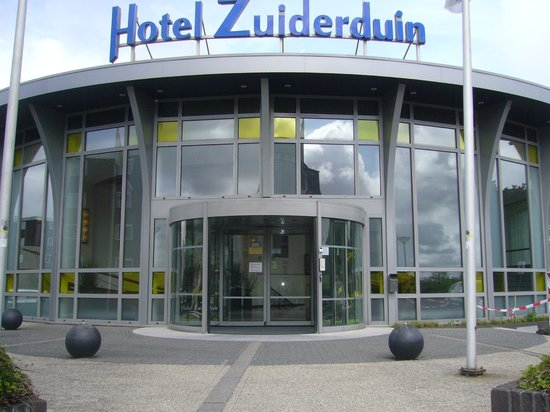 Hotel Zuiderduin: Main Entrance to the Hotel