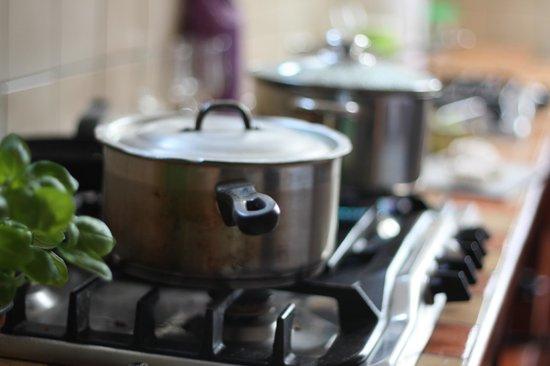Aille River Hostel : Kitchen