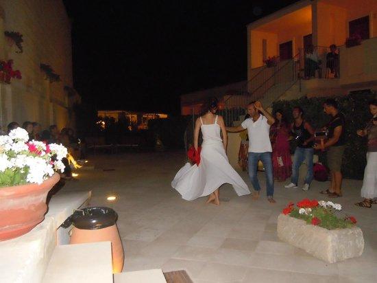 Hotel Masseria Bandino : Pizzica de core nella corte interna