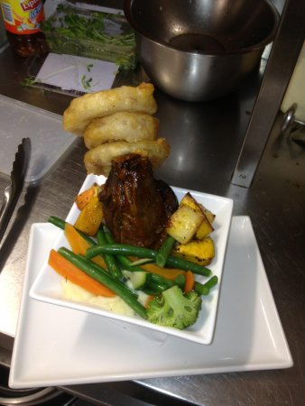 Aloha Bar And Grill: Lamb shank