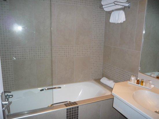 Chambre classique pour deux personnes fotograf a de hotel - Hotel lyon chambre 4 personnes ...