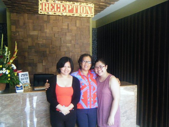 Aquarius Star Hotel: Both of us with the owner Mrs Made (ma-deh)