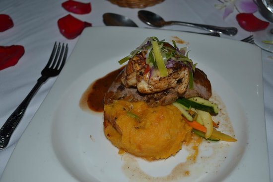 Sandals Royal Plantation: Candlelight dinner - Braised ribs, lobster tail and sweet potatoes!