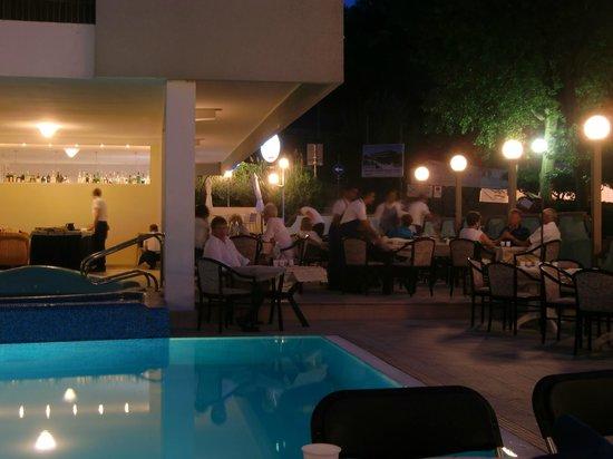 Hotel Majestic: sempre la piscina