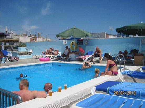 Voramar Hotel: pool