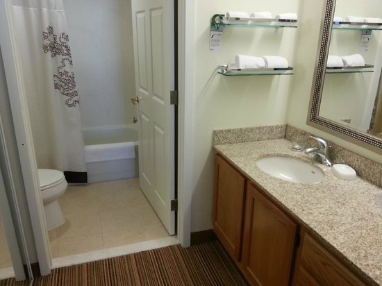 Residence Inn Parsippany: Bathroom