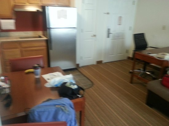 Residence Inn Parsippany: view of area from bedroom doorway