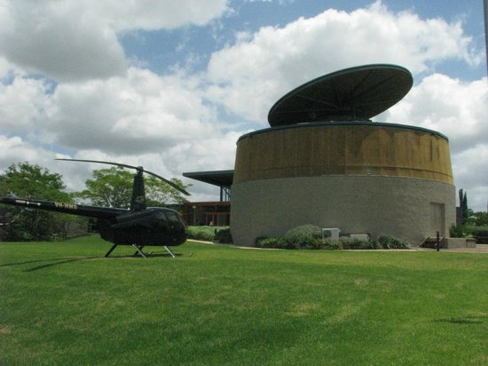 Hungerford Hill Wines: Helipad & Tasting Room