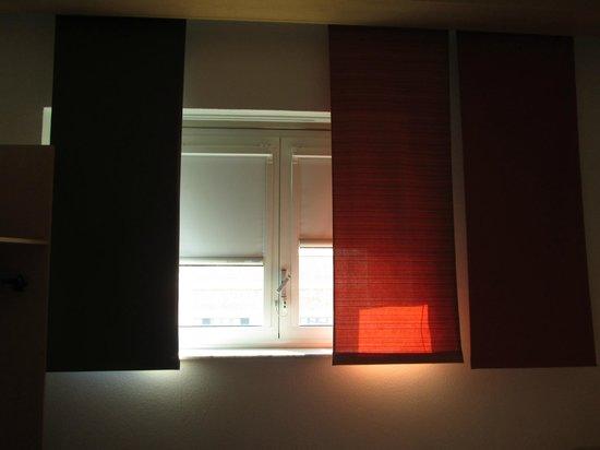 Ibis Milano Centro: window