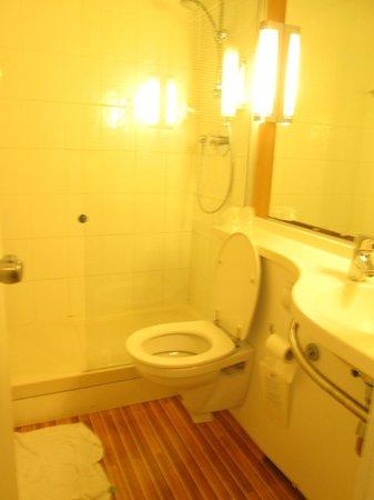 Ibis Milano Centro: bathroom