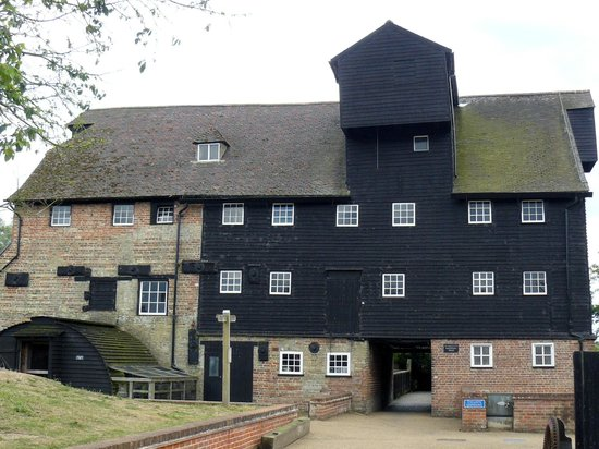 Houghton Mill (National Trust): Houghton Mill entrance.