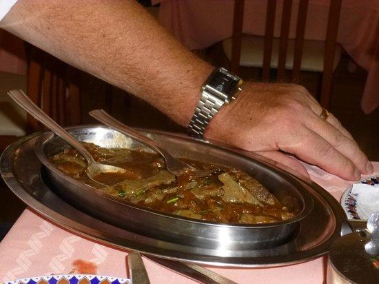 Hotel Excelsior : Le FEGATO ALLA VENEZIANA (foie à la vénitienne) préparé par Mimmo Chef du Piano à la cuisine