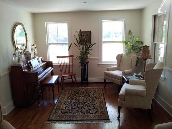 RiverWood Inn: Wohnzimmer