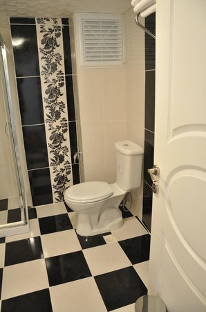 Huxley Hotel Old City : Suit - bathroom