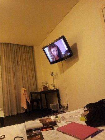 Vibe Hotel Sydney: TV
