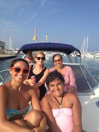 Yacht Charter Barcelona: Family out in the tour