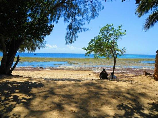 Kinondo Poa: Strand und Meer