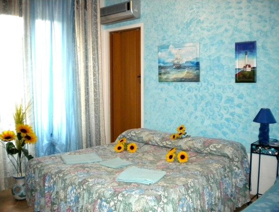 B&B Il Girasole : Our bedroom