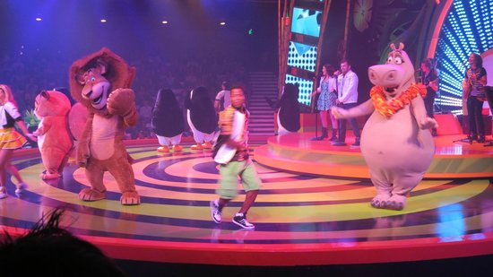 Busch Gardens Tampa: Get in to see the Madagascar show it was fun