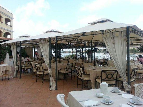 Gabbiano Azzurro Hotels & Suites: colazione in terrazza