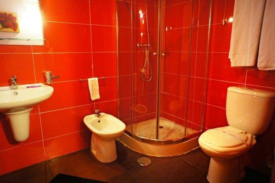 Residencial Monte Carlo: bathroom