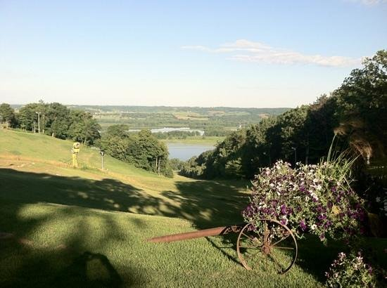 Chestnut Mountain Resort: Morning view of the Mississippi from Chestnut