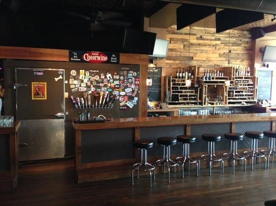 Native Kitchen & Social Pub: The bar.